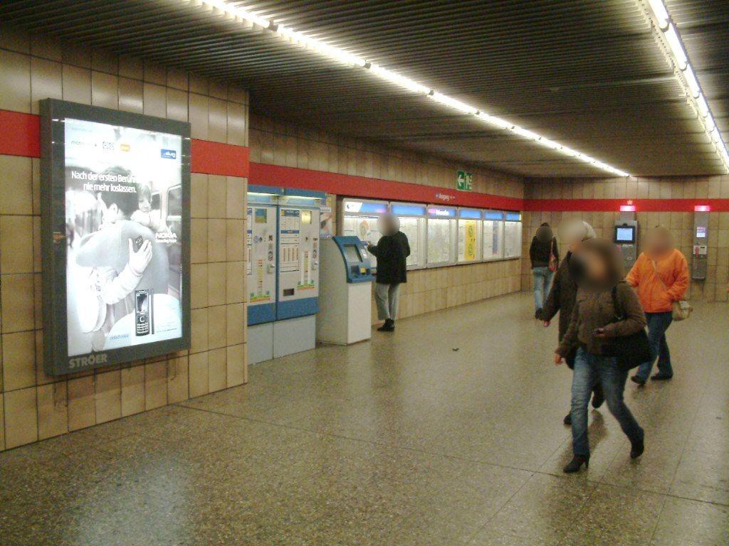 Hohenzollernplatz/Schalterhalle