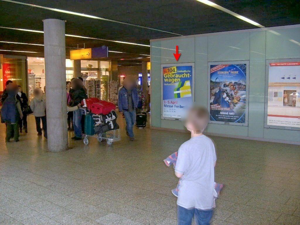 Hbf, Basement Lichthof, geg. Rolltreppe 1 Sto.