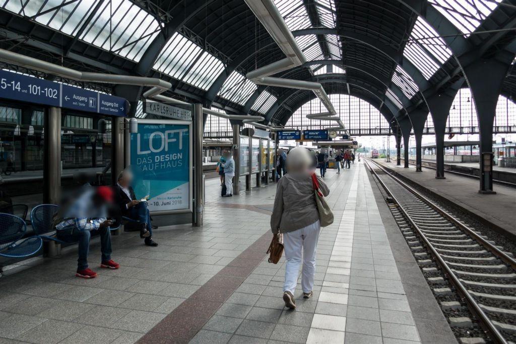 Hbf, Windschutz, Gleis 4, 3. Sto.