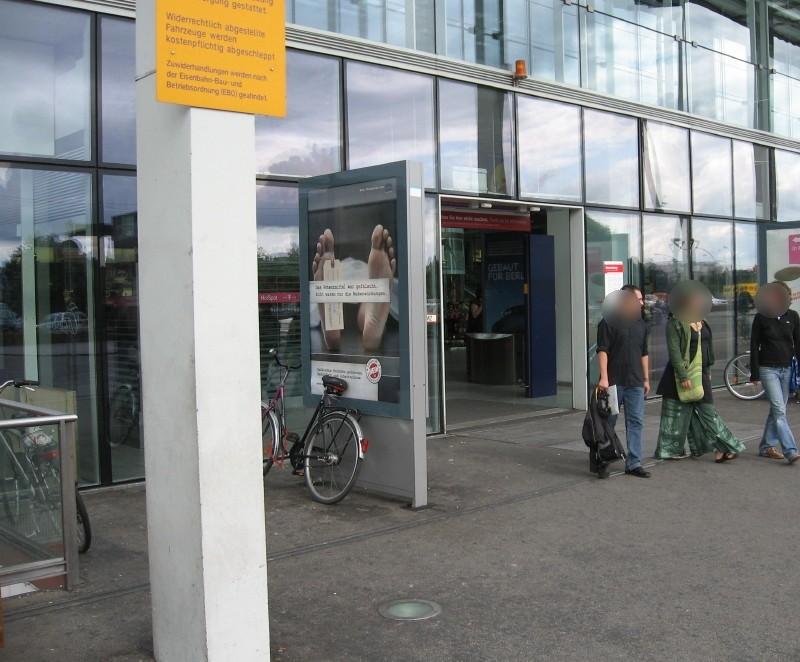 Bf Ostbahnhof, vor EH, 2.Sto. li. Seite