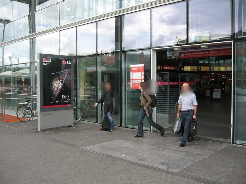 Bf Ostbahnhof, vor EH, 2.Sto. re. Seite