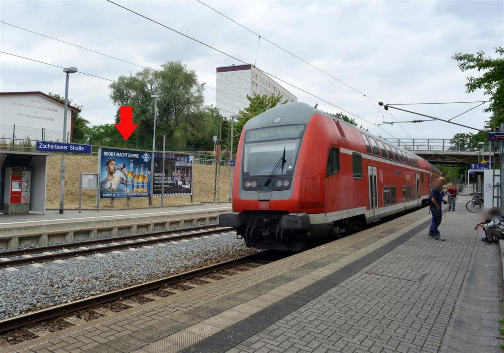 S-Bf Zscherbener Str., Bstg., Gleis 2, 1. Sto.