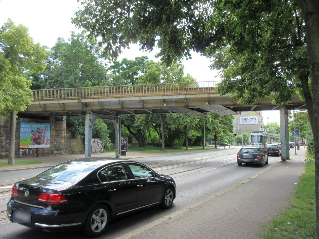 Herbert-Stauch-Str.,3. DB-Brücke,saw., links