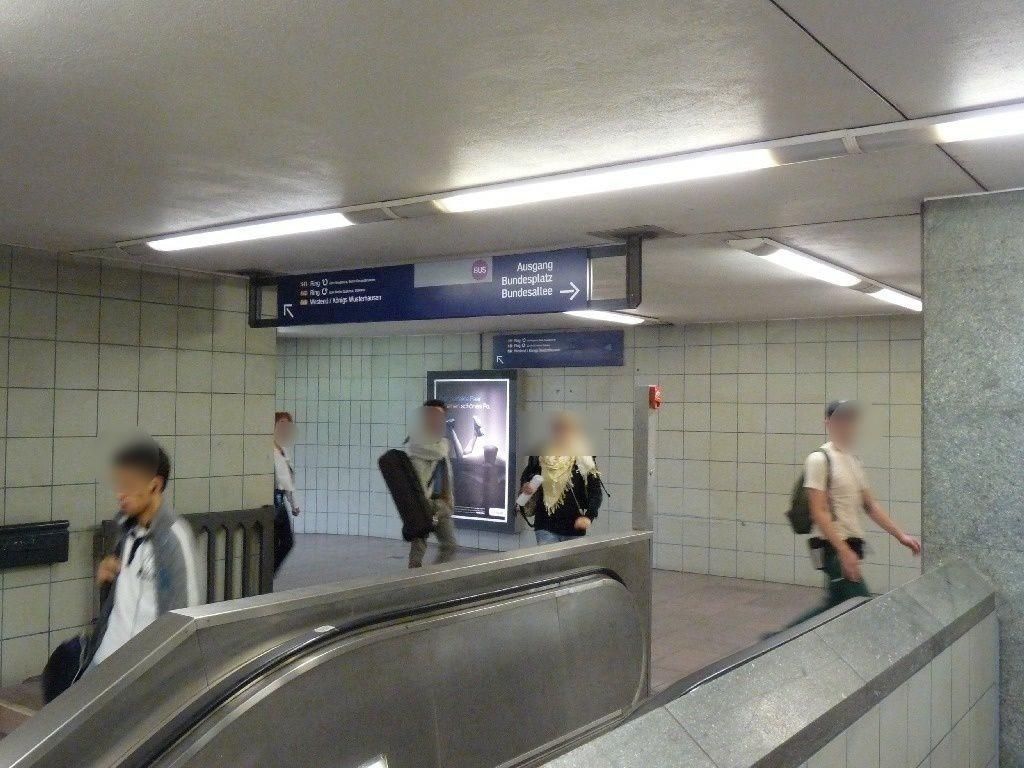 S-Bf Bundespl, Übg. z. U-Bahn, Ri. Steglitz. li.