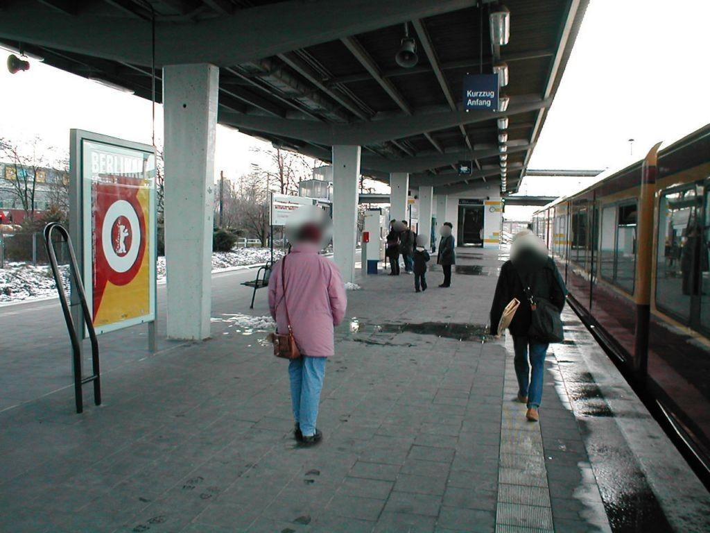 S-Bf Marzahn,Bstg., Seite Gleis 2