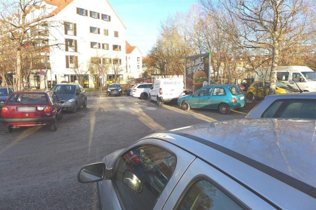 Bahnhofplatz geg. Kaiser-Wilhelm-Str.   2 quer