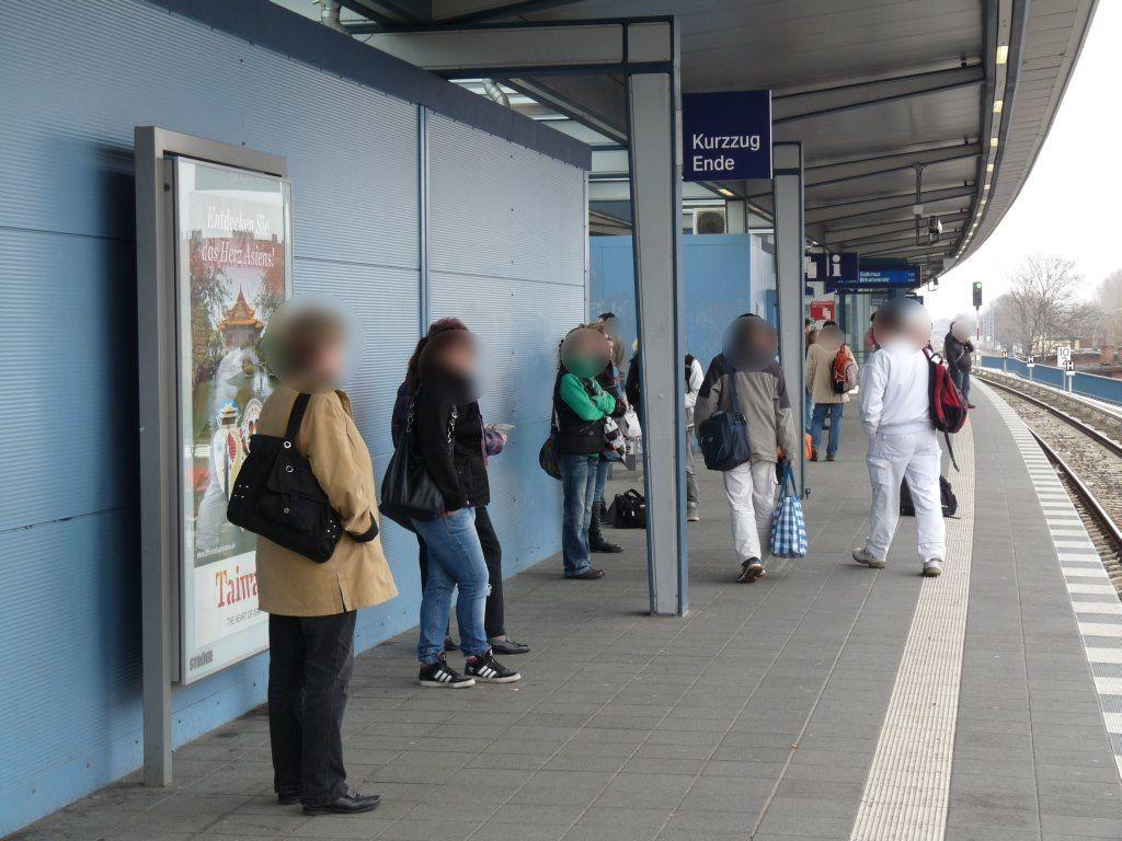 S-Bf Adlershof, Bstg. E-Station, GL 4, 1. Sto.