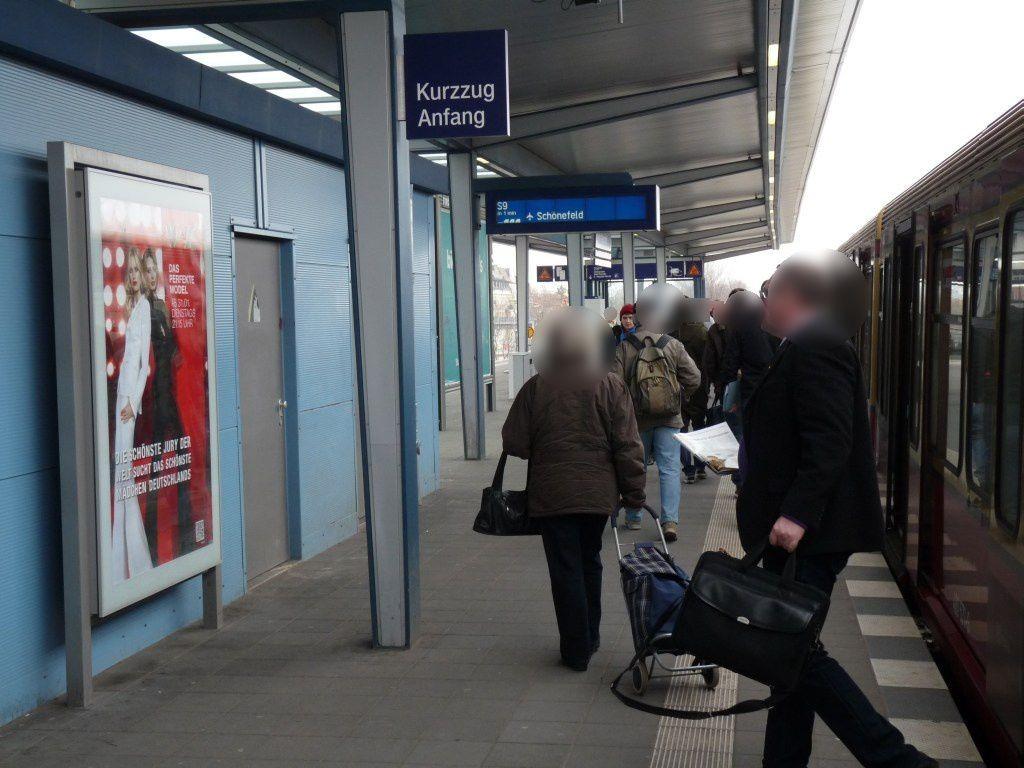 S-Bf Adlershof, Bstg. E-Station, Gl. 3, 2. Sto.