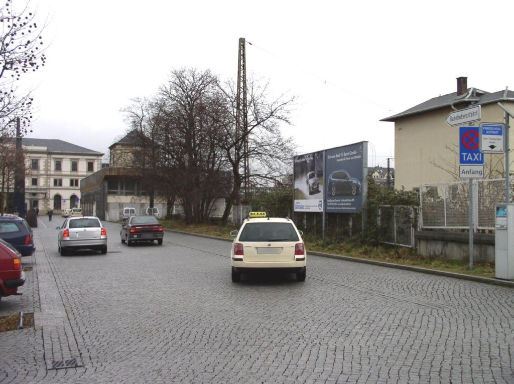 Hbf, Vorplatz Bahnhofstr. geg. Carolastr.
