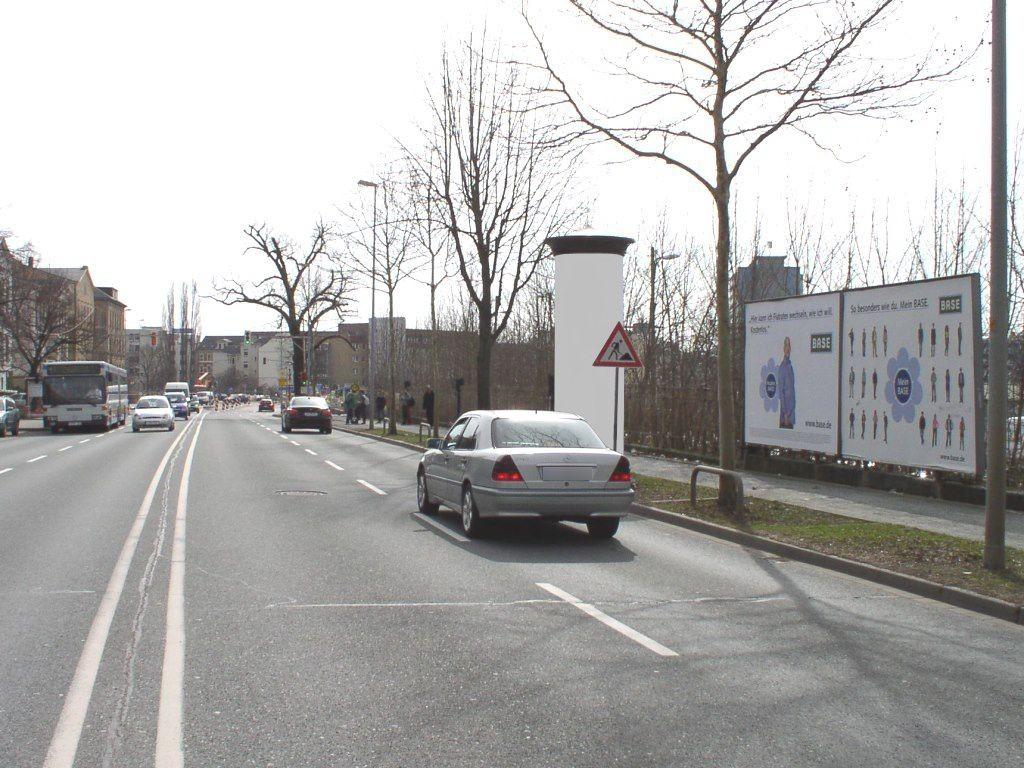 Dresdner Str. geg.  44/Glockenstr. links