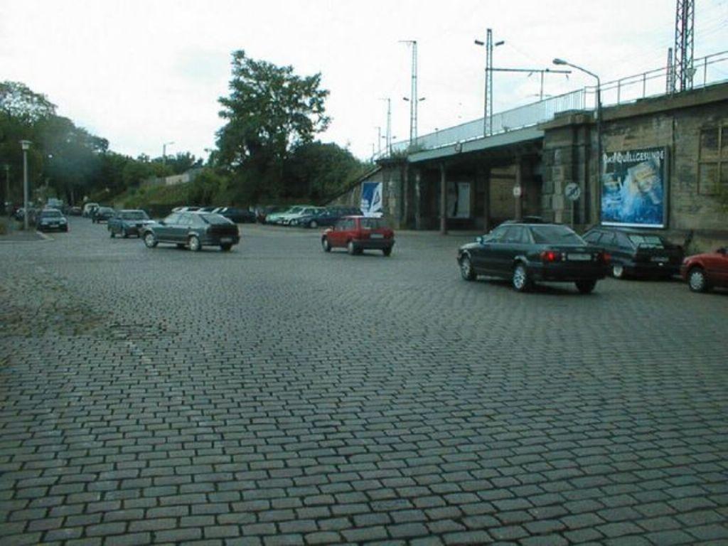 Dammweg, neb. Ufg., Ri. Lößnitzstr., 1. Sto.
