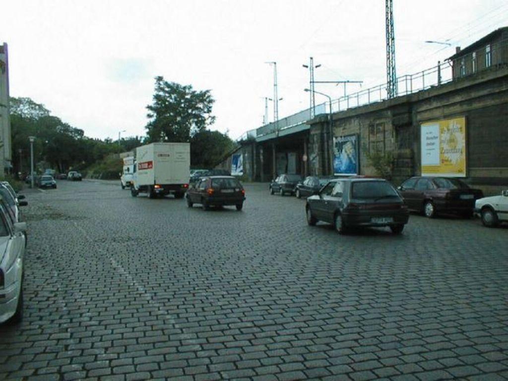 Dammweg, neb. Ufg., Ri. Lößnitzstr., 2. Sto.
