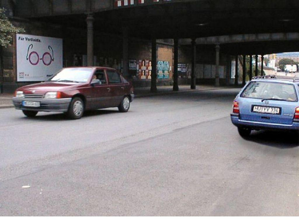 Erfurter Str. Nh. Großenhainer Platz 4 li.