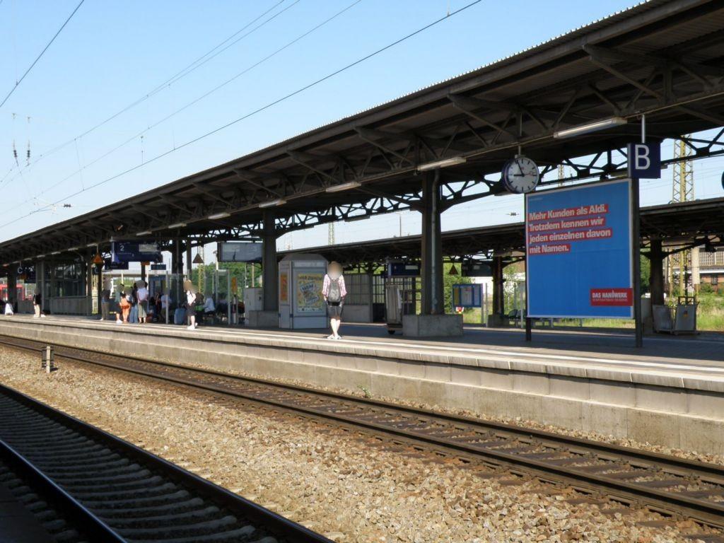 Hbf, Bstg., Gleis 2