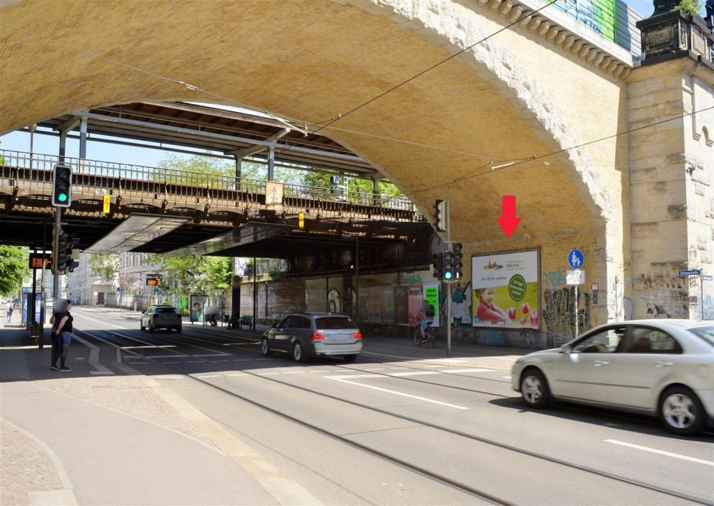 Lützowstr./DB-Brücke sew. li.