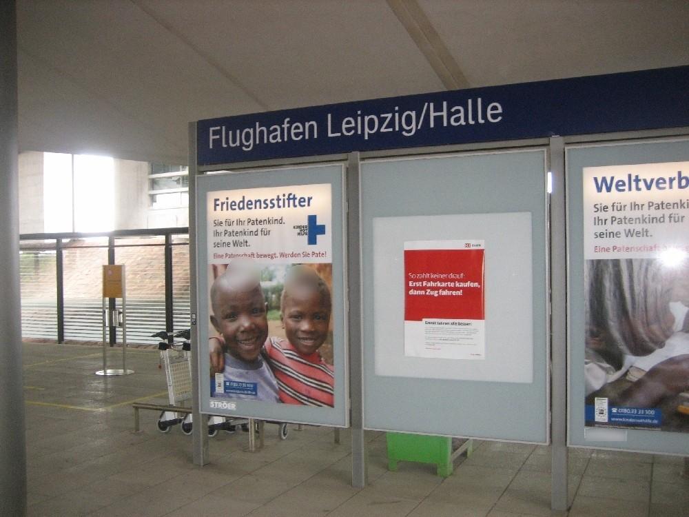 Flughafen-Bf Leipzig-Halle , Bstg. 2, 2. Sto. li.
