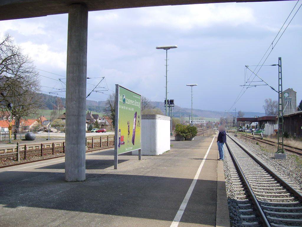Bahnhofstr./Bf /Bahnsteig/Si.Gleis 3/re.