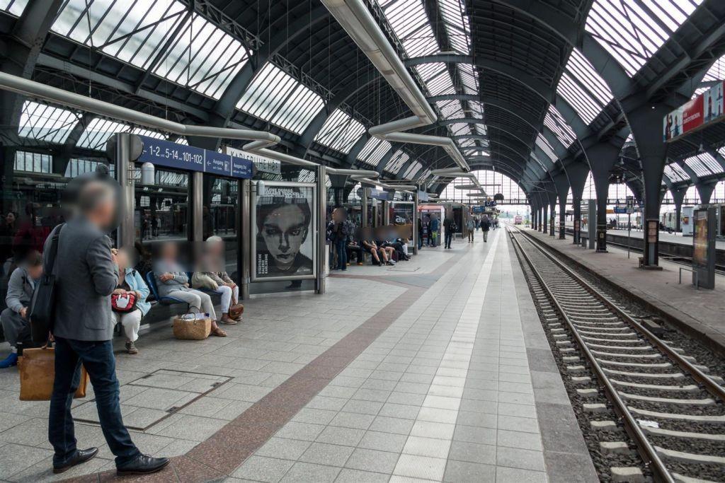 Hbf, Windschutz, Gleis 4, 1 .Sto.