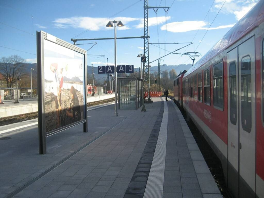 Bahnhofplatz/Bf/Bahnsteig/Gleis 3, Sto. 2