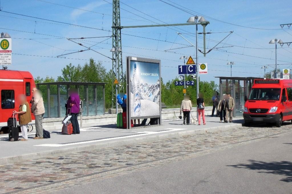 Bahnhofplatz/Bf/Bahnsteig/Gleis 1, Bus-Bf