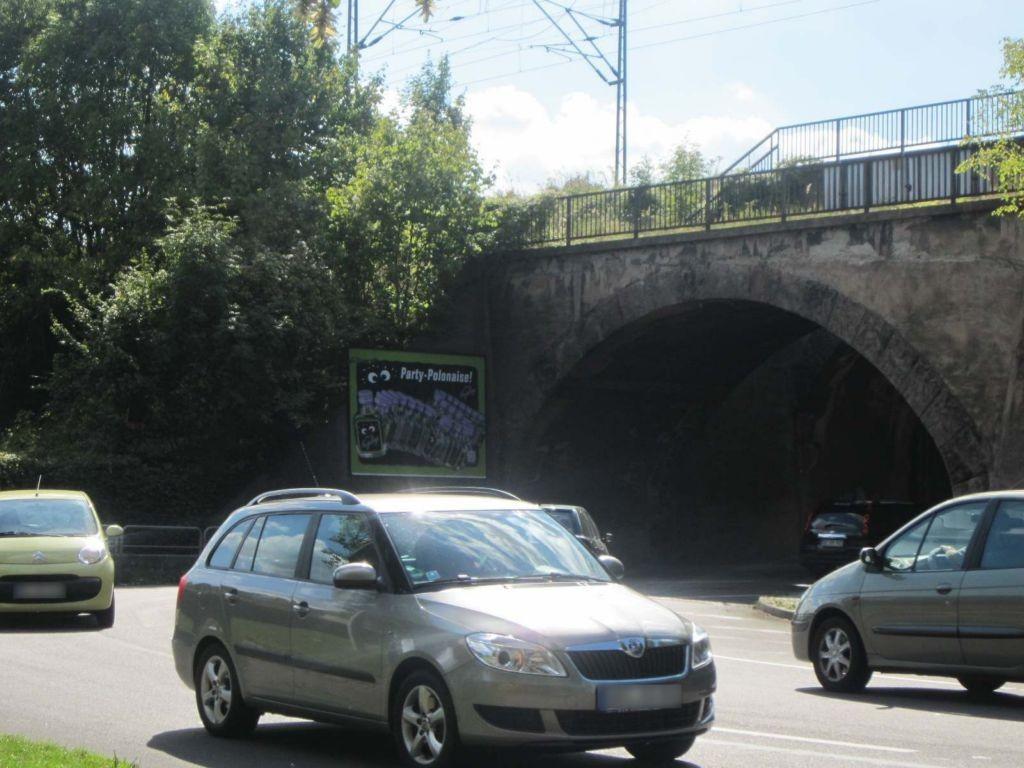 Dessauer Str Ufg. Nh. Akazienstr. (B185)