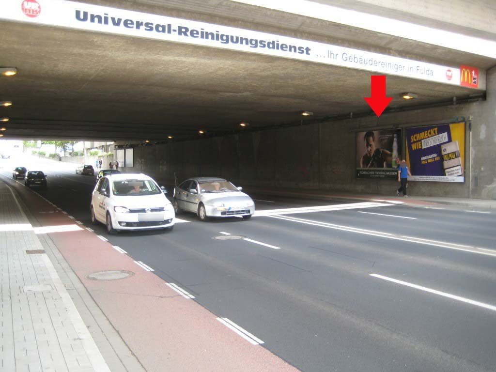 Petersberger Str.  42a li. Ufg./Am Bahnhof nh