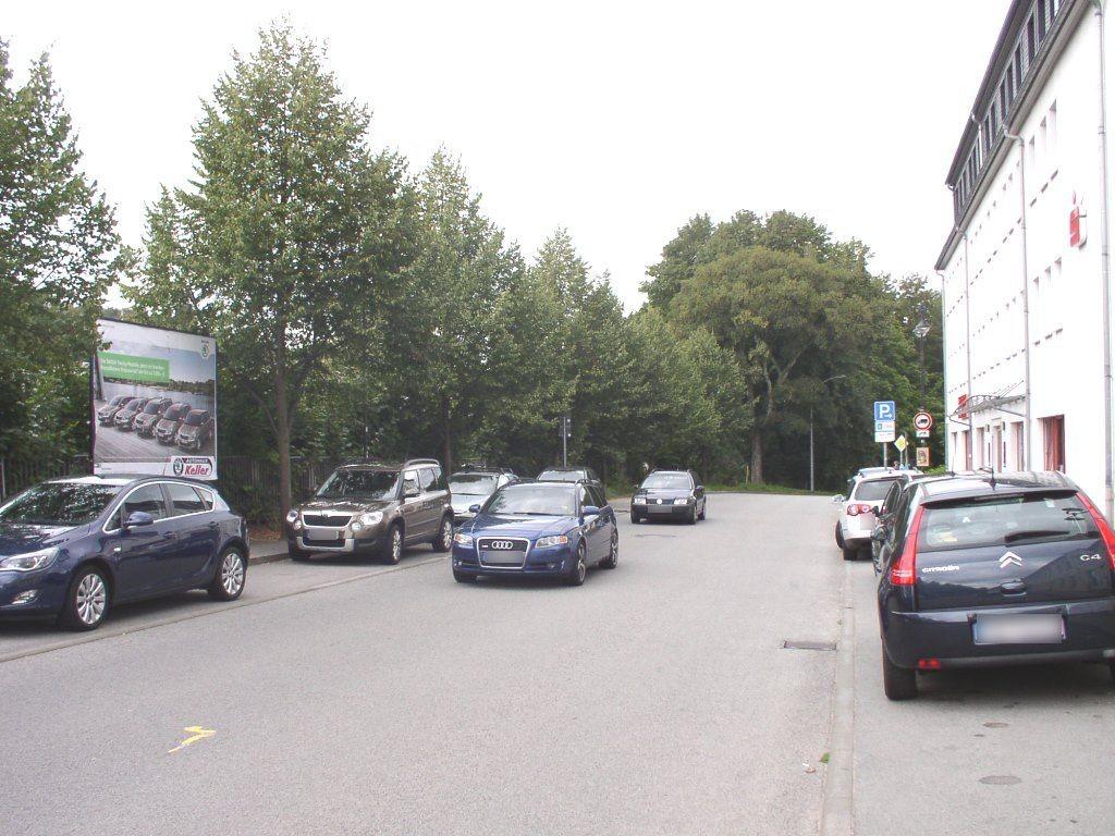 Grünhainer Str. geg. R.-Koch-Str./Sparkasse rechts