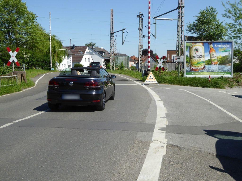 Heerstr/Veilchenweg/DB-Übergang