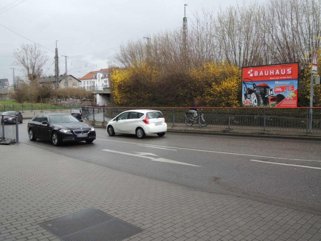 Werner-von-Siemens-Str. Ufg. re/Güterbahnhof Nh.