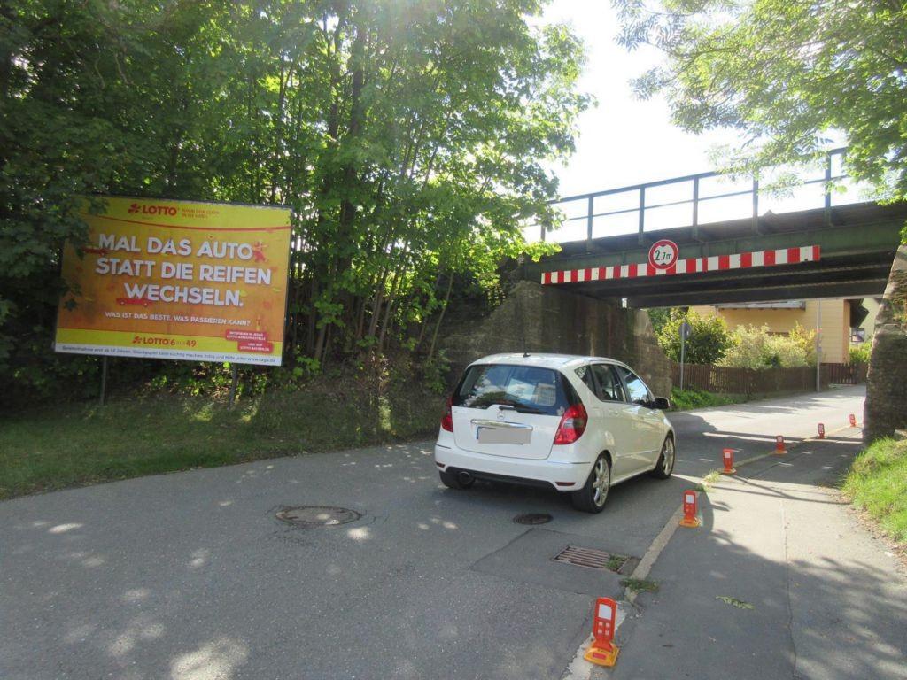 Quetschenweg  17 re. Ufg./Köditzer Str. Nh.