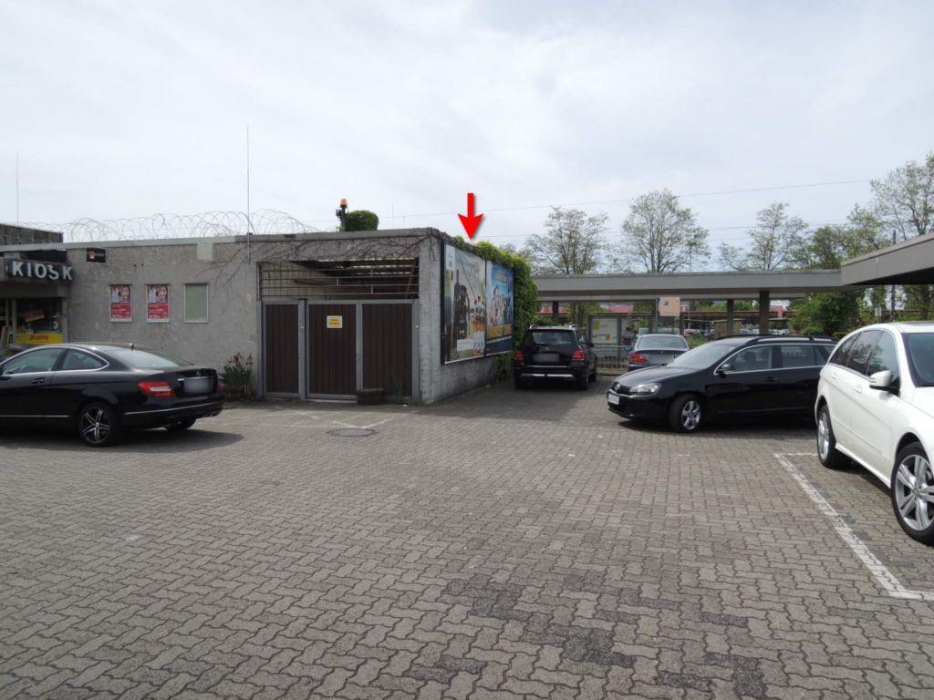 Bf Empfangsgebäude re.