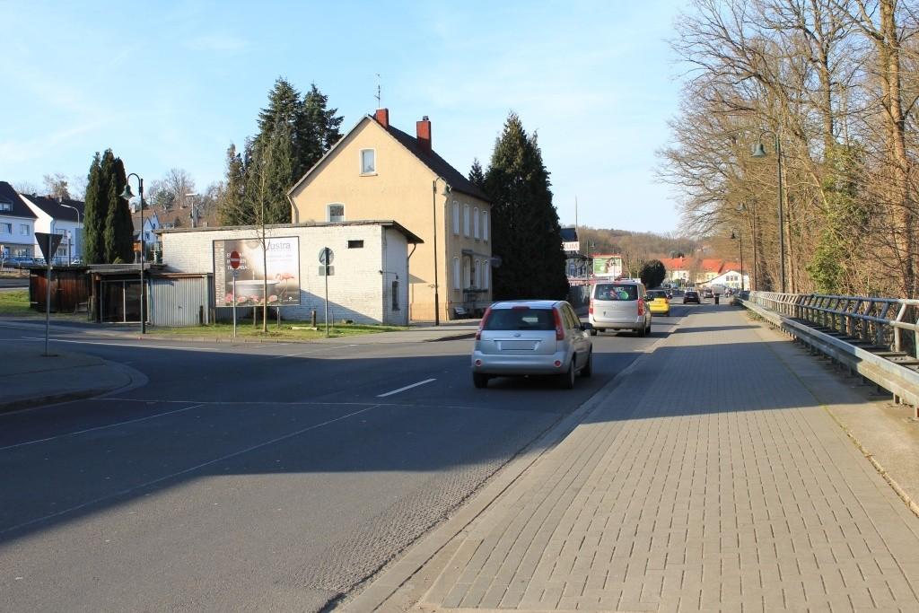 Hauptstr.  81 li. Einf. Bf