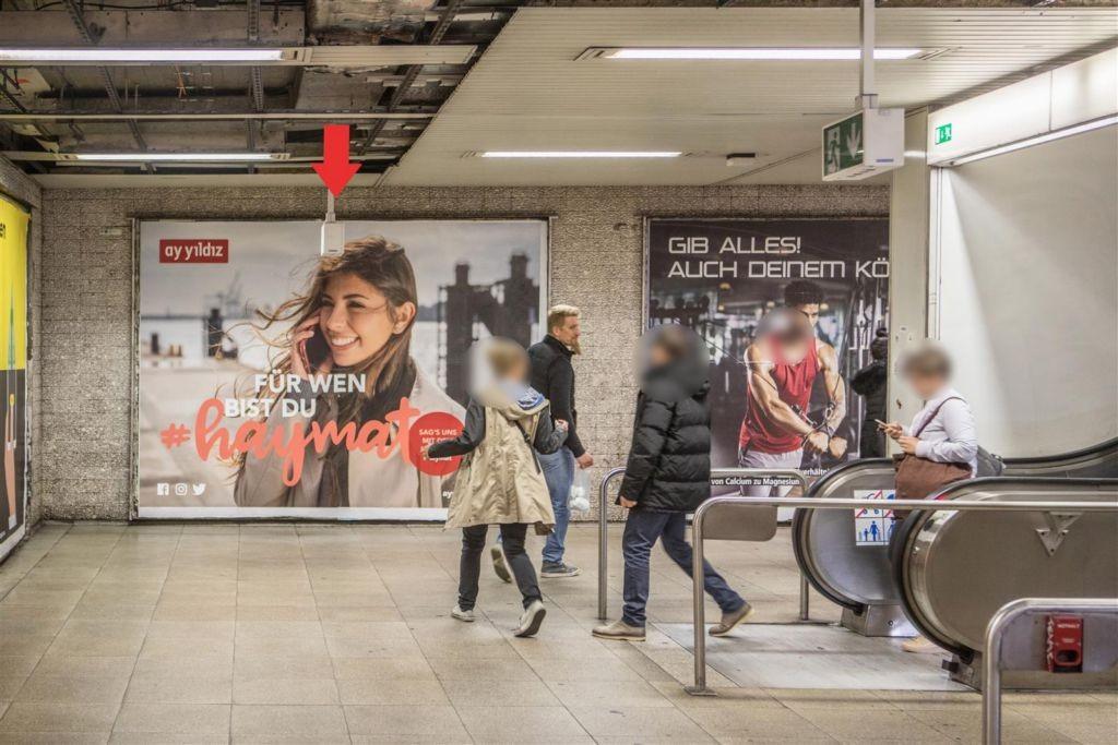 Willy-Brandt-Platz Ri. Bahnsteig Seckbach