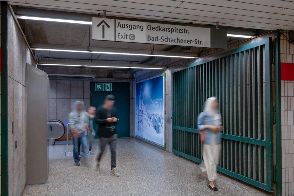 Innsbrucker Ring/Westkopf/Ausg. Piusplatz