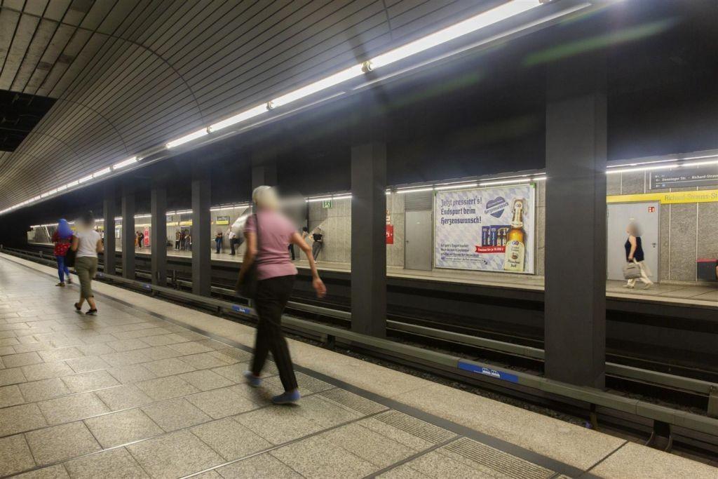 Richard-Strauss-Str./Bahnsteigmitte/Gleis 2