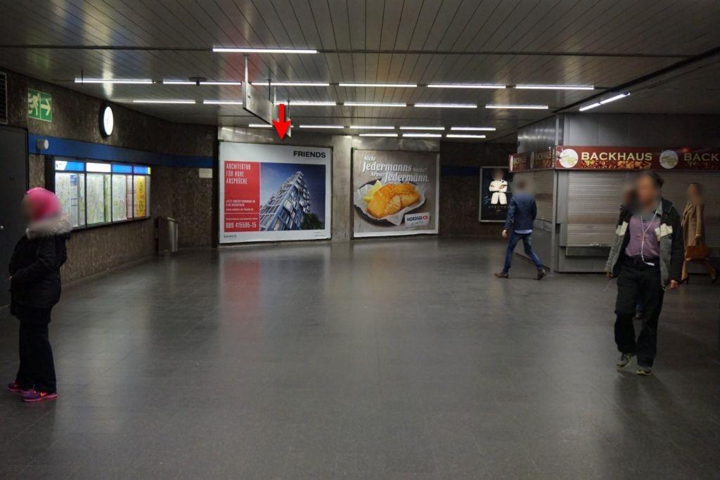 Odeonsplatz Nordkopf Ausg. Galeriestr.