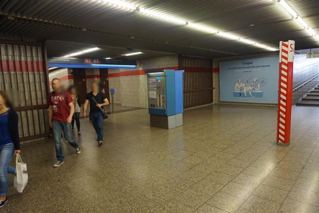Karl-Preis-Platz/West/Claudius-Keller-Str. links