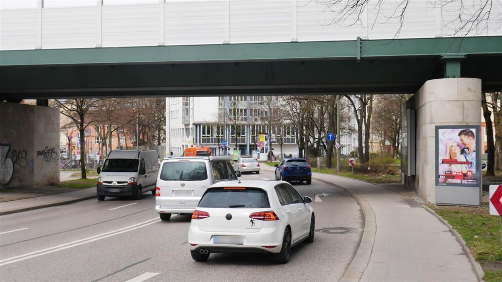 Humboldstr./ Giesinger DB Brücke sew. rechts