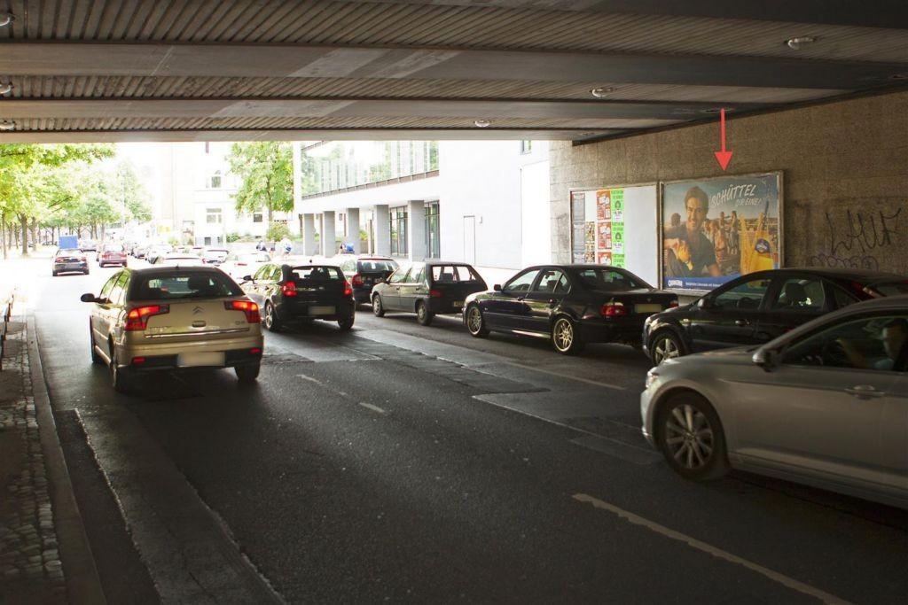 Berliner Allee/DB-Br./Ri. Marienstr. li. 2. Sto.
