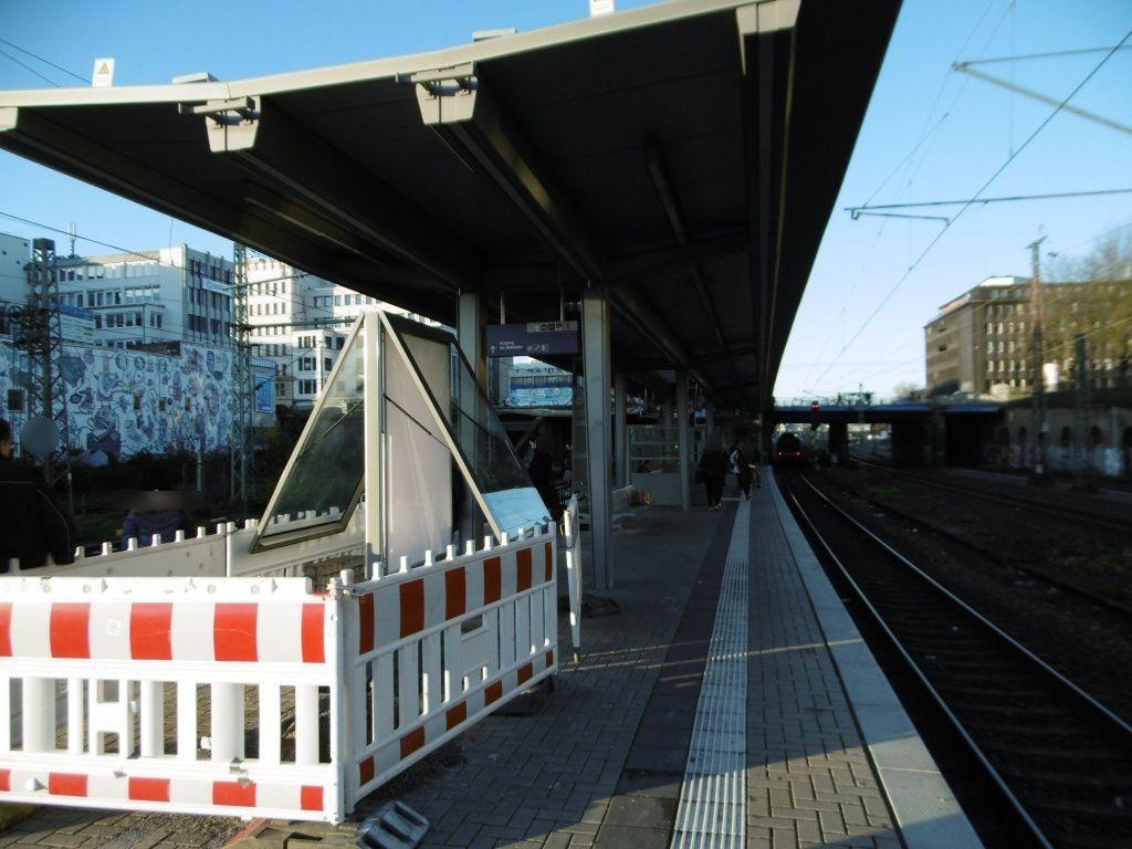 S-Bf Wehrhahn, Bstg., Gleis 2