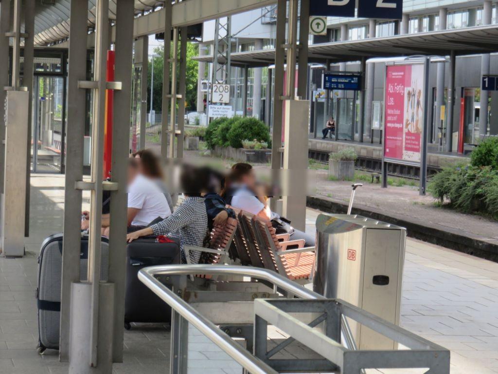 Hbf, Zwi.-Bstg., Gleis 2, 2. Sto.