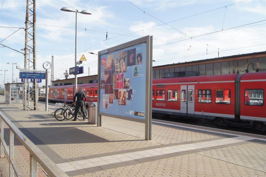 Hbf, Bahnsteig, Gl. 10 Nord/ Si. Gebäude