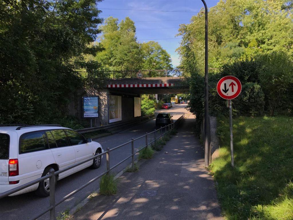 Johanneskirchner Str./DB-Brücke sew. li.