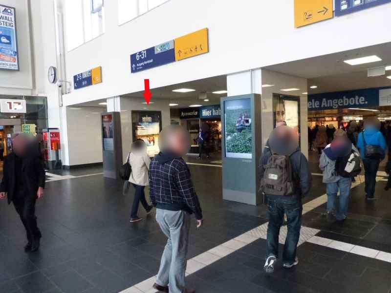 Hbf, Empfangshalle, Zugang Gleise 2 - 5, re.